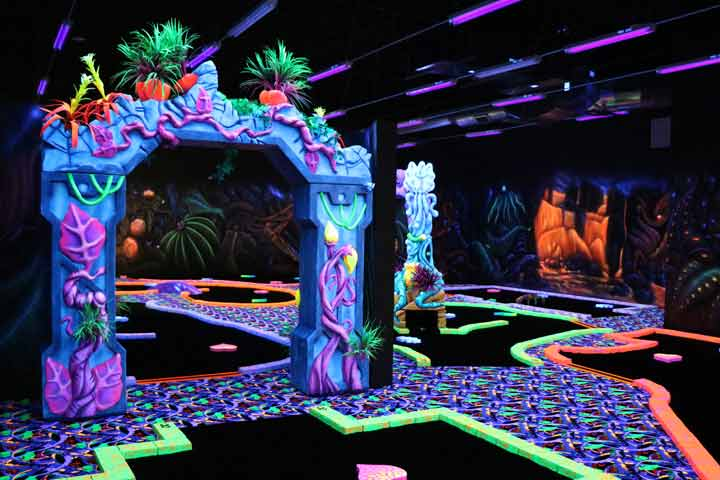 Blacklight Indoor Mini-golf in Cincinnati